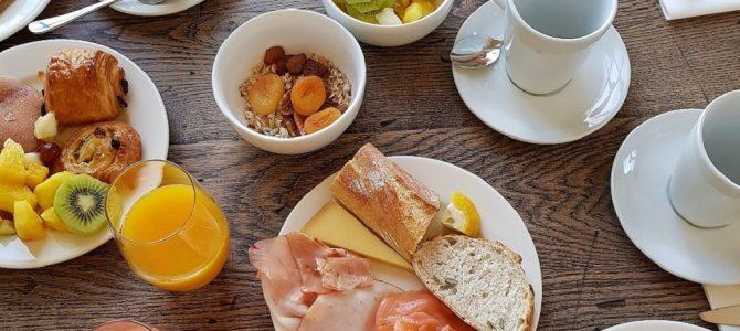 Petit-déjeuner avec vue au Terrass Hotel